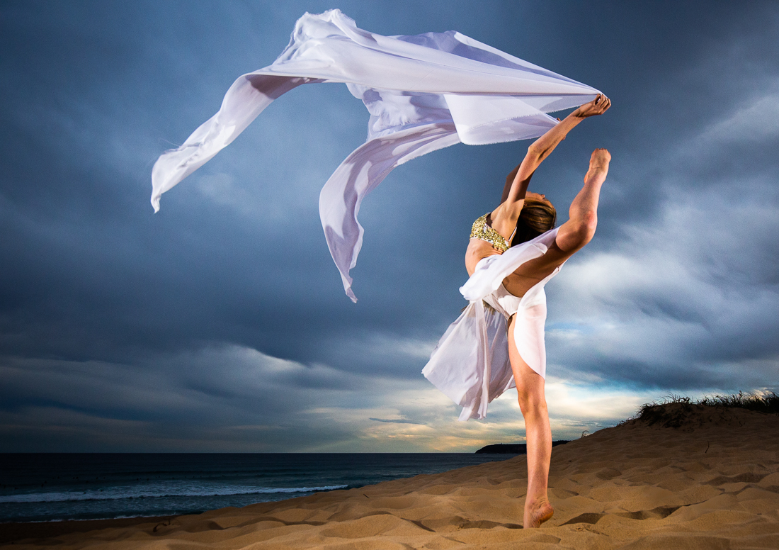 Dancer Pippa Ravenscroft, Curl Curl, Australia, Richard McGibbon Photography